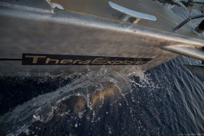 Thera explorer on dolphins road photographed by Serge Briez, ©2014 Cap médiations