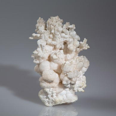 Aragonite coralloid photographed by Serge Briez for Imagin'all (http://www.cristaux-sante.com)