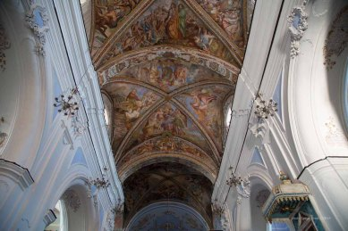 Frescoed ceilings in the Basilica San Bartolomeo, Lipari Island photographed by Serge Briez ©2014 Cap médiations, Thera Explorer