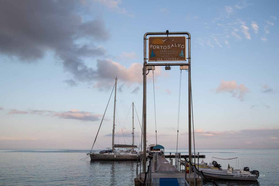 Lipari bay , pontoons mooring photographed by Serge Briez ©2014 Cap médiations, Thera Explorer