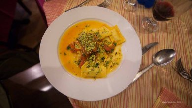 "Ravioli with ricotta and pistachios in spaghetteria ""Do Scogghiu"" Ortigia Island, Syracuse,photographed by Serge Briez ©2014 Cap médiations, Thera Explorer"