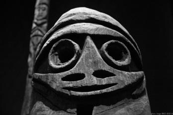 anthropomorphic sculpture, Primitive art,in museum quai Branly photographed by Serge Briez, ©2014 Cap médiations