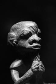anthropomorphic statute, Primitive art,in museum quai Branly photographed by Serge Briez, ©2014 Cap médiations