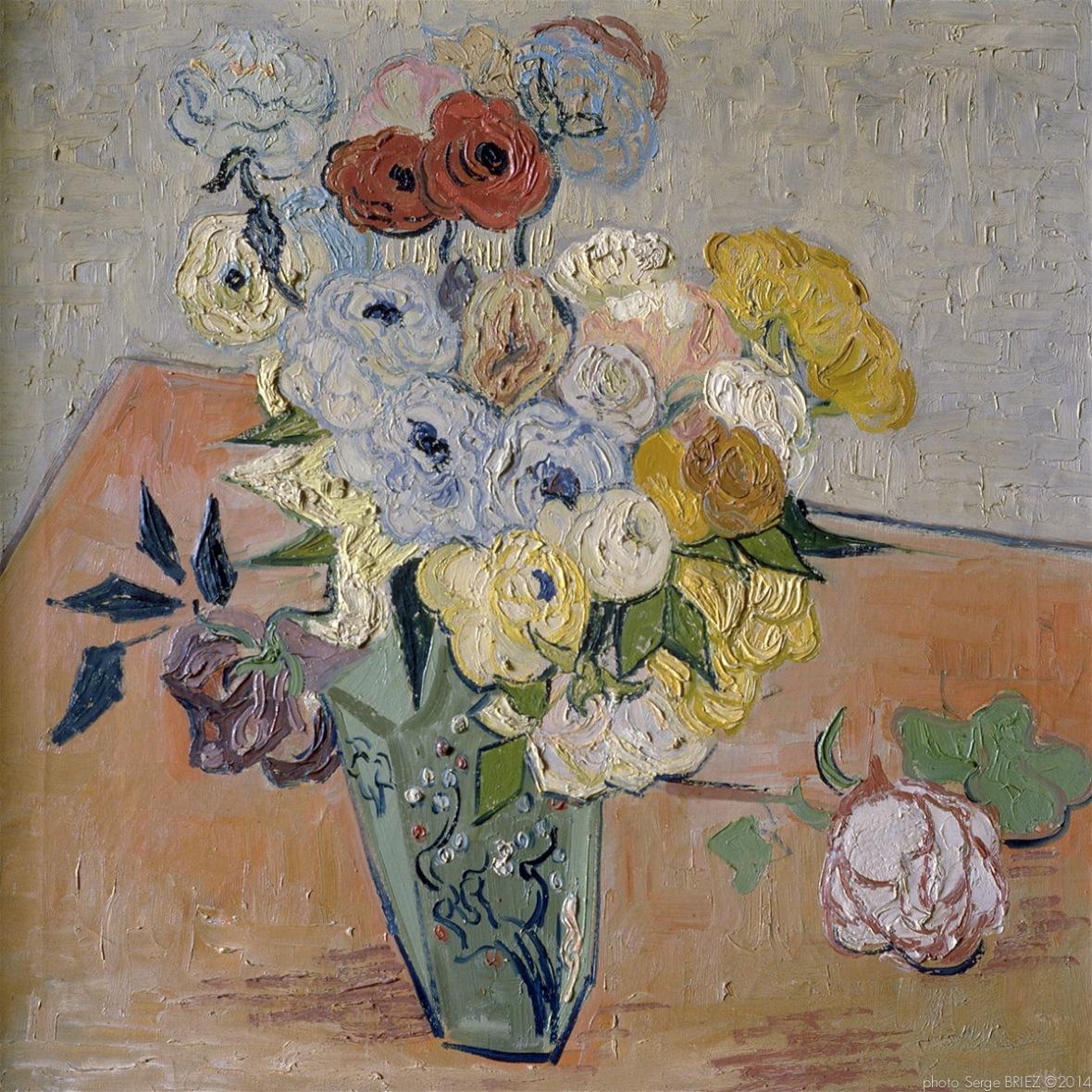 Japanese Vase, Roses et anémones, Auvers-sur-Oise, juin 1890, Van gogh's painting photographed by Serge Briez, ©2014 Cap médiations