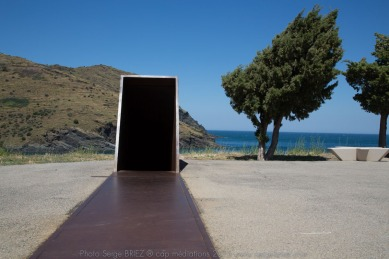 PASSAGES, Dani Karavan en hommage à Walter Benjamin - photo Serge Briez ®capmediations.2015 reproduction iinterdite